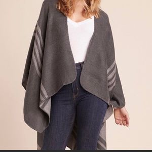 Reversible BB Dakota Gray Shawl. Only worn once!